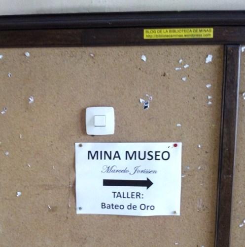 Cartel indicador del Museo.