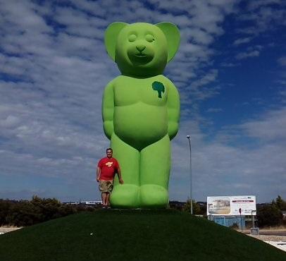 El Oso Verde - La escultura mide 7 metros
