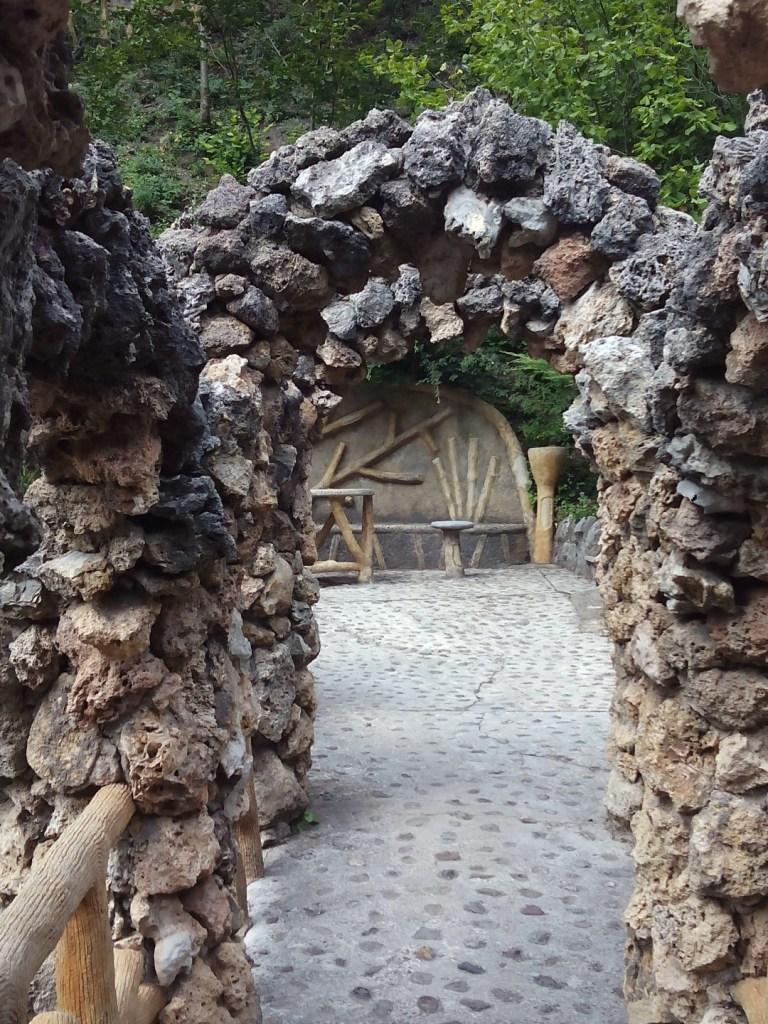 Los Jardines Artigas - Merendero y mural arbóreo.