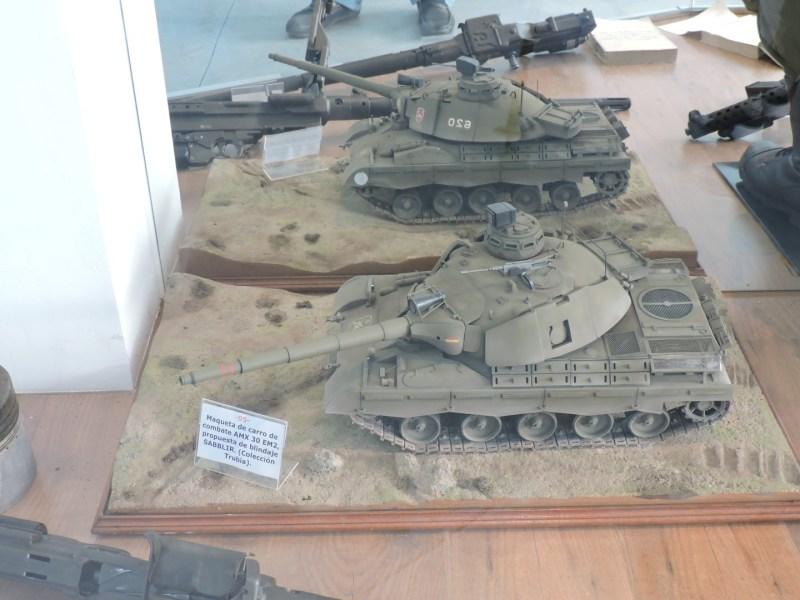 Museo de Carros de Combate - Maqueta de AMX-30 EM2