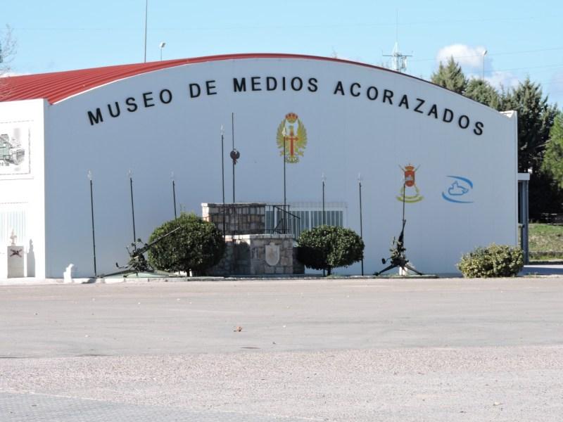 Museo de Carros de Combate - Pabellón de la exposición cubierta