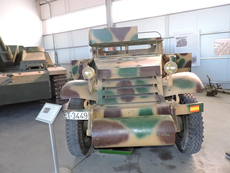 Museo de Carros de Combate - Transporte semi-oruga, conocido en España como Carrier