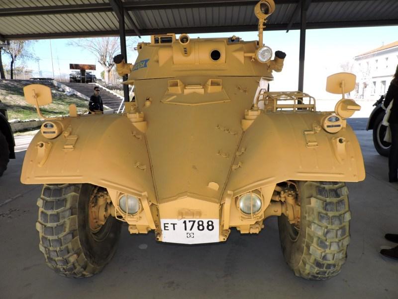 Museo de Carros de Combate - Panhard AML-60, con camuflaje del desierto