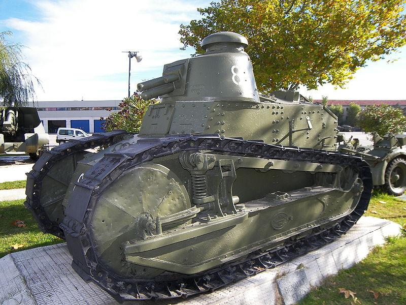 Museo de Carros de Combate - Renault FT-17, primer tanque operado por España (16)