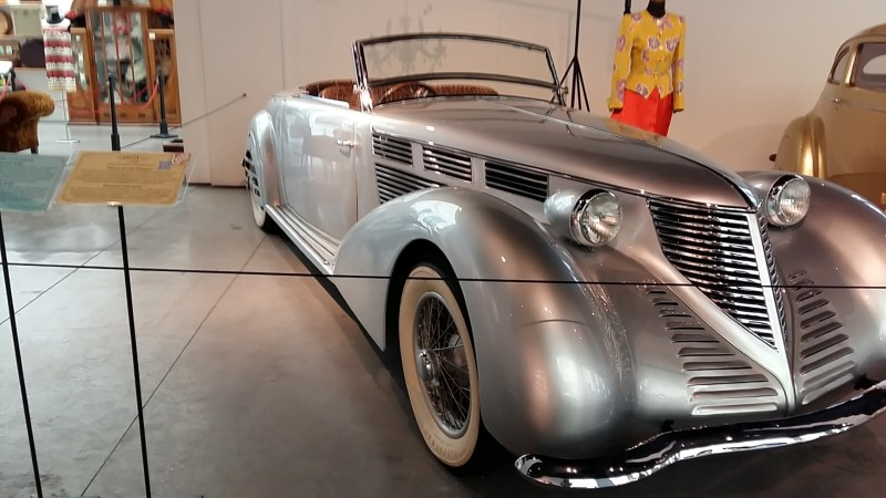 Museo Automovilístico - Lancia Astura (Italia - 1939)