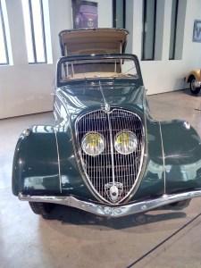 Museo Automovilístico - Peugeot 402 (Francia - 1937)