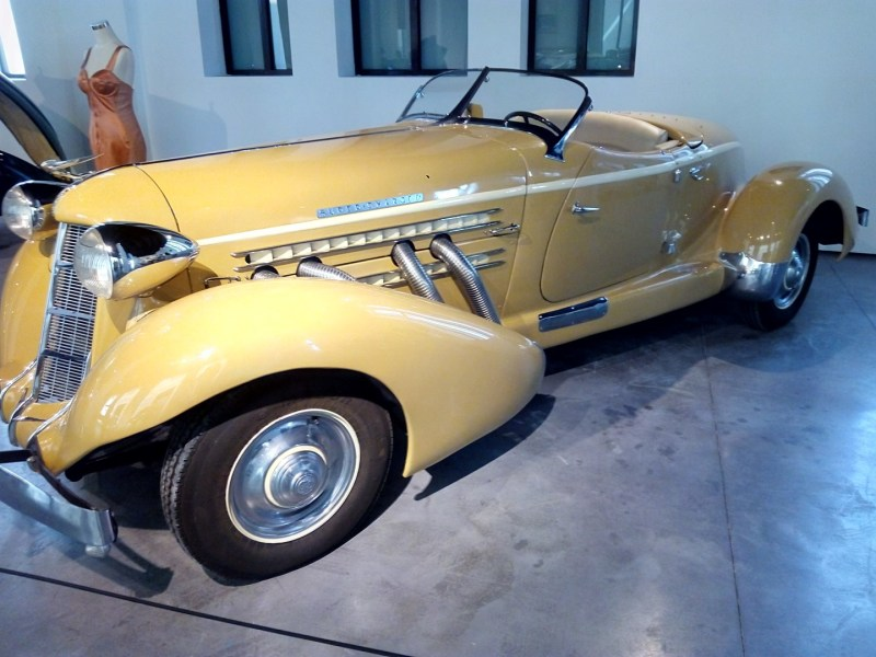 Museo Automovilístico - Auburn 851 (EEUU - 1935)