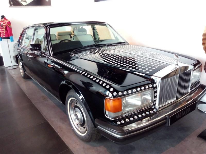 Museo Automovilístico - Rolls-Royce Silver Spirit (Reino Unido - 1985) decorado con cristales Swarovski