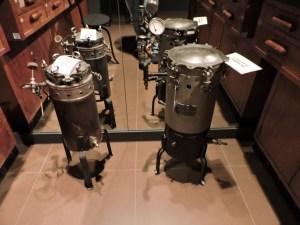 Museo Farmacia Militar - Autoclave, aparato para desinfectar material mediante presión y temperatura elevada