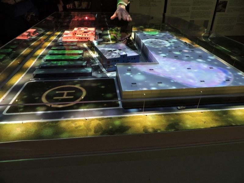 Museo Farmacia Militar - Maqueta interactiva de la base militar en la que se simula una emergencia farmacológica