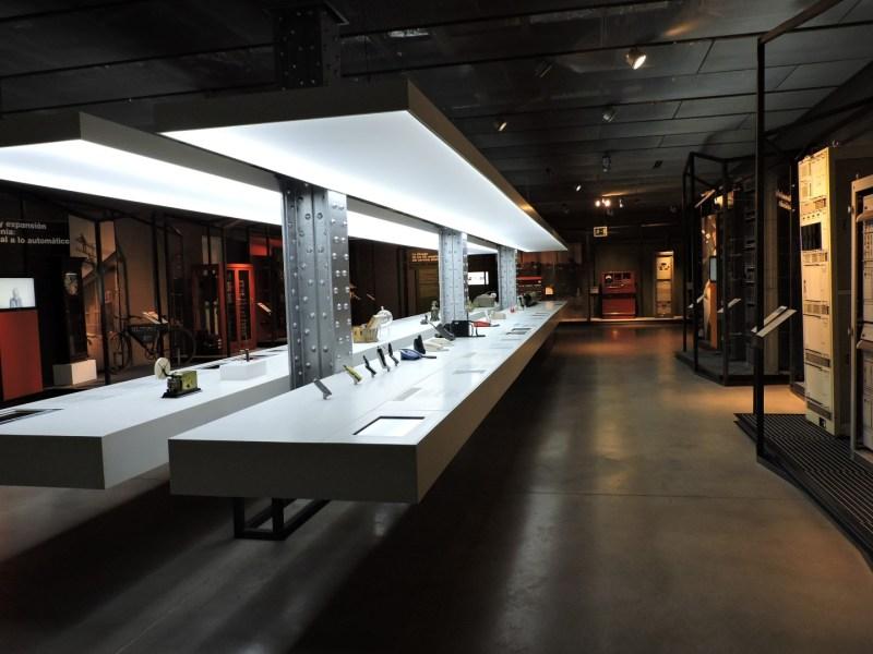 Museo de las Telecomunicaciones - El Museo apenas ocupa una sala. Claramente insuficiente para una empresa monopolística de 100 años