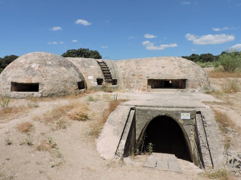 Blockhaus13 - Entrada al interior a través de lo que debería haber sido un túnel.
