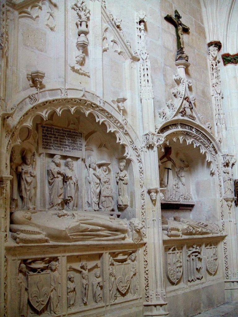 Capilla Huesos Evora - Sepulcros góticos en la Catedral de Burgos (2)