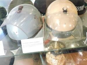 """Colección de la Policía de Boadilla - Casco de la Policía Armada de la época de Franco (los famosos """"grises"""")."""