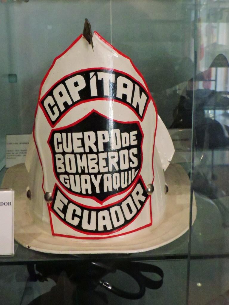 Colección Policía Boadilla - Casco de capitán de Bomberos de Guayaquil.