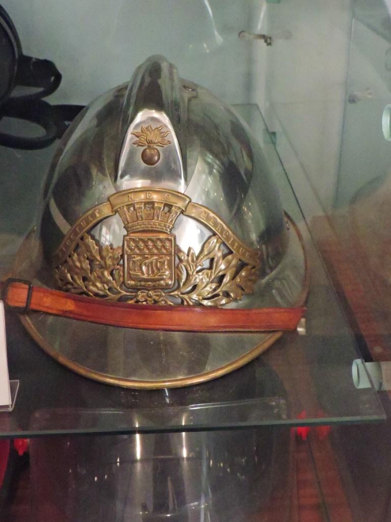 Colección de la Policía de Boadilla - Antiguo casco de los bomberos de París.