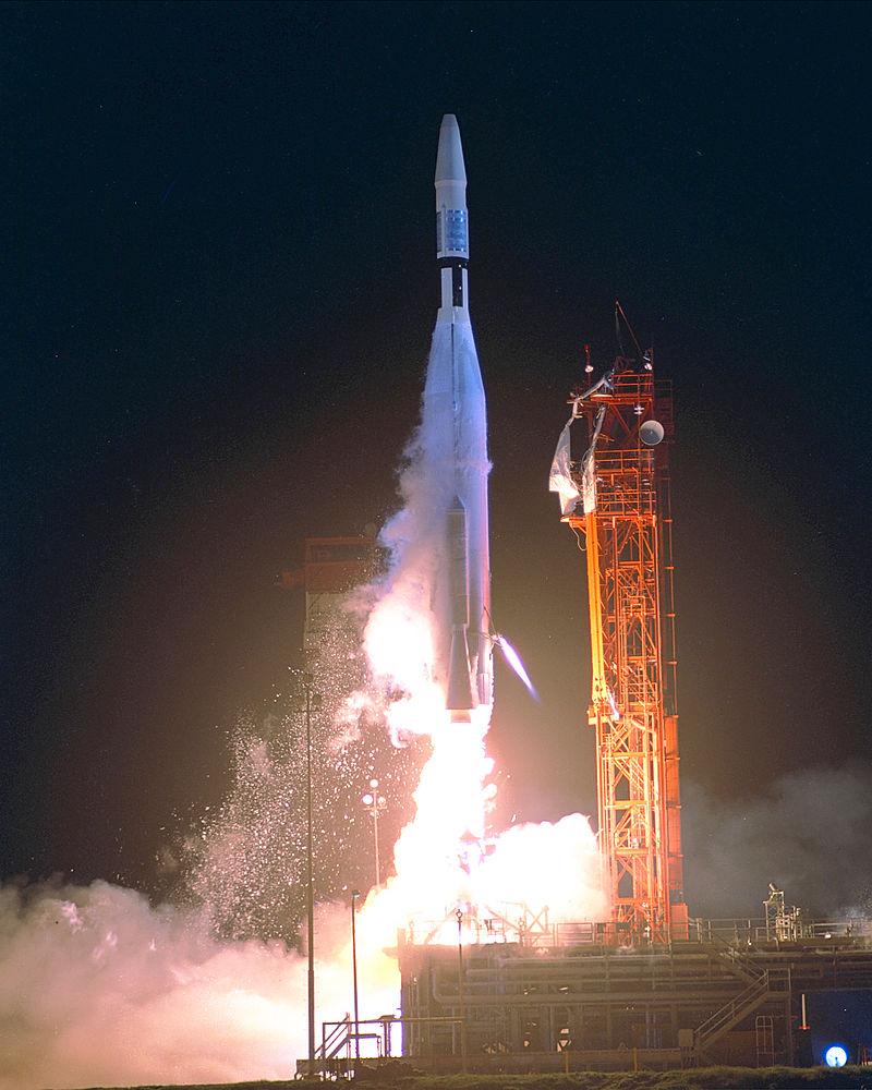 Deep Space Network - Red del Espacio Profundo - Madrid - Lanzamiento de la sonda Mariner I que debería haber sobrevolado Venus y que debido a un error tipográfico matemático (se olvidaron de poner una barra en una derivada), cayó al Atlántico al despegar (18).