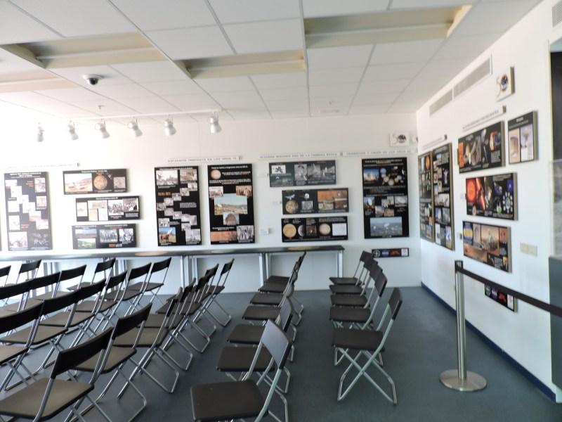 Deep Space Network - Red del Espacio Profundo - Madrid - En las paredes del auditorio podremos leer la historia de la Estación de Robledo y las misiones gestionadas desde aquí.