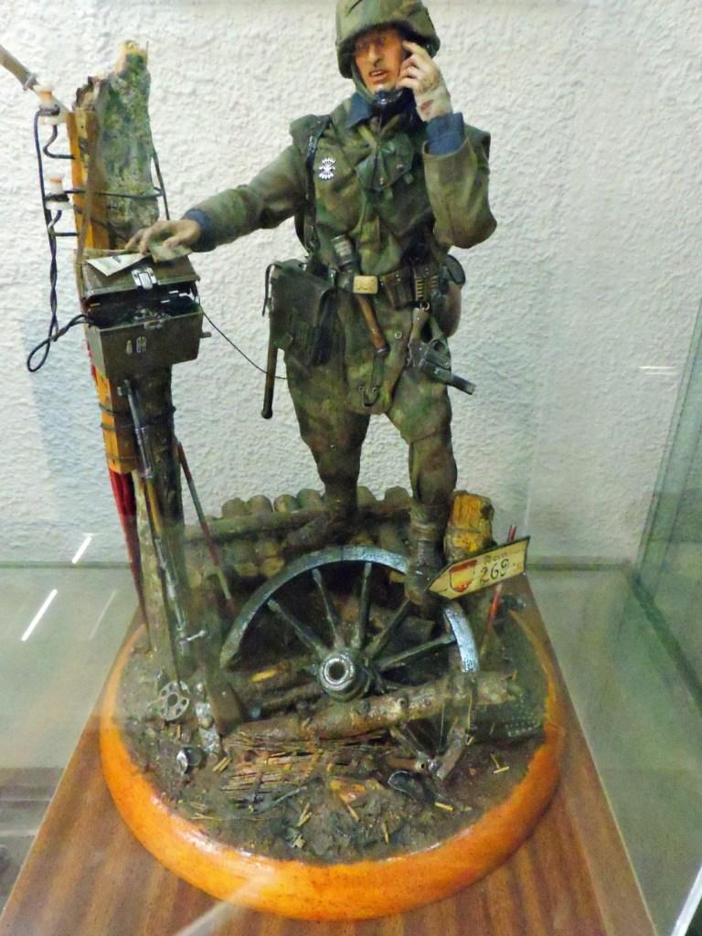 Museo División Azul - Telefonía de campaña en el frente.