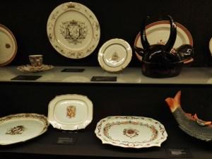 El Galeón de Manila - Platos de porcelana china. La porcelana se convirtió en uno de los objetos más codiciados en Europa.