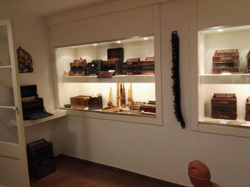 Museo del Acordeón - Acordeones y armónicas.