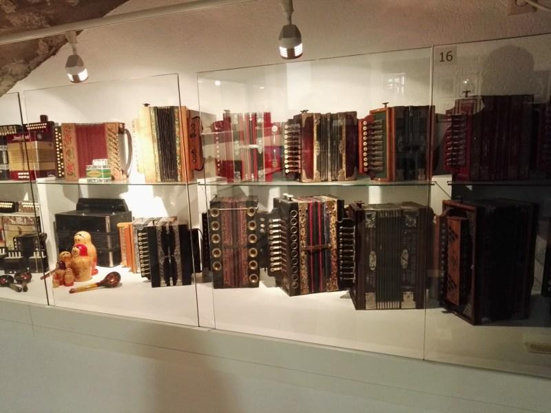 Museo del Acordeón - Colección de acordeones antiguos.
