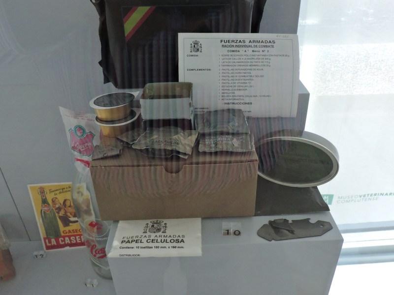Museo Veterinario Complutense - Envasado especial de alimentos para el ejército.