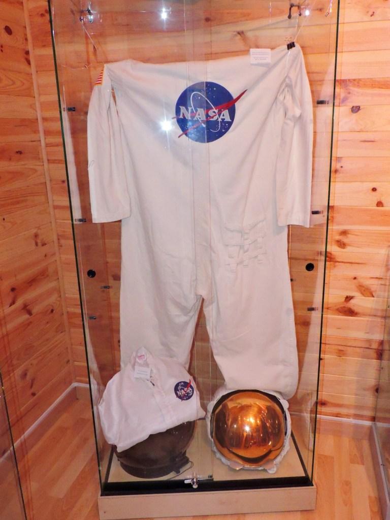 Museo Lunar - Traje del primer astronauta español, Michael López-Alegría.