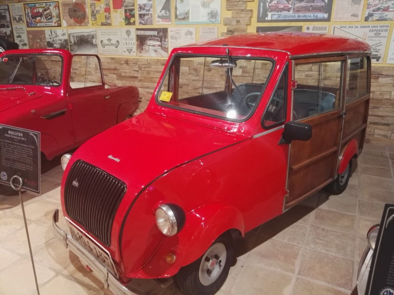 """Museo Sala Team - Biscúter 200-C """"Rubia"""". Se podía usar como furgoneta, o utilitario."""