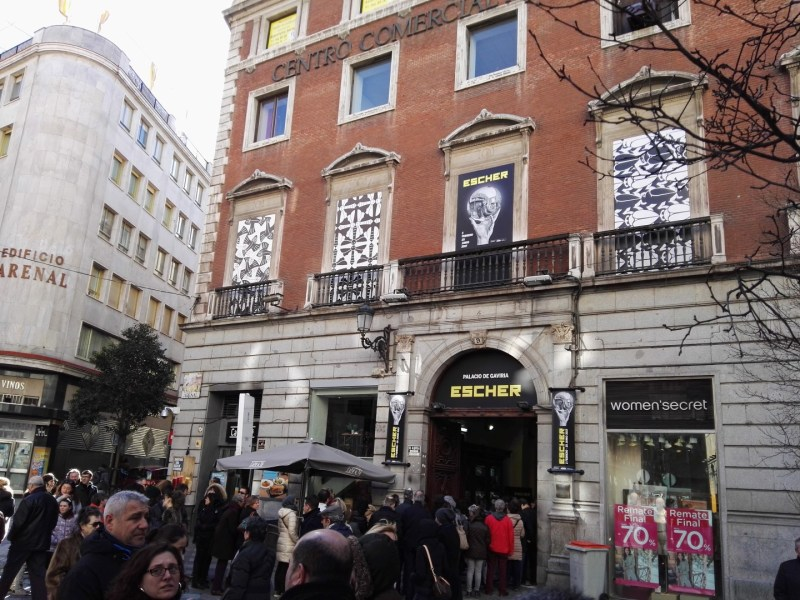 Escher en Madrid - La Exposición de Escher se encuentra en el primer piso.