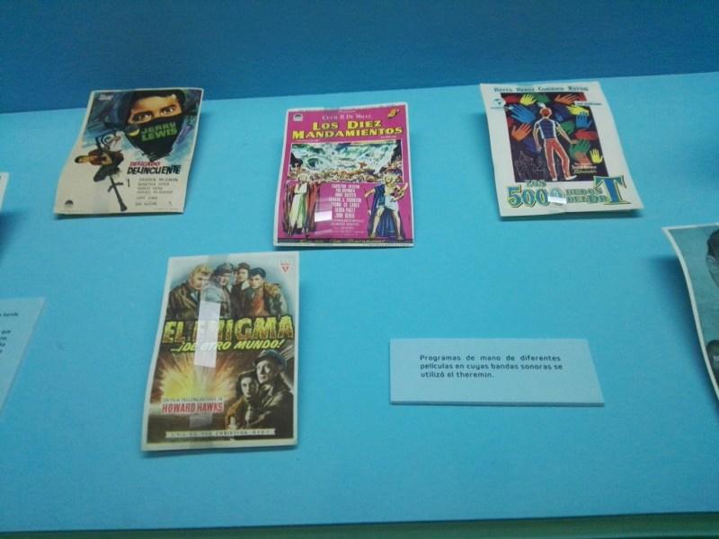 """Exposición Theremin - Las películas """"El Enigma de Otro Mundo"""", o """"Los Diez Mandamientos"""", también usaron el theremín."""