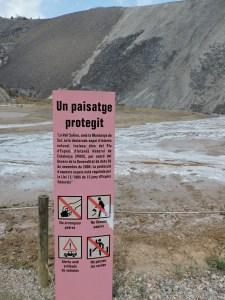 La Montaña de Sal - El paisaje salino de la Montaña de Sal está protegido.