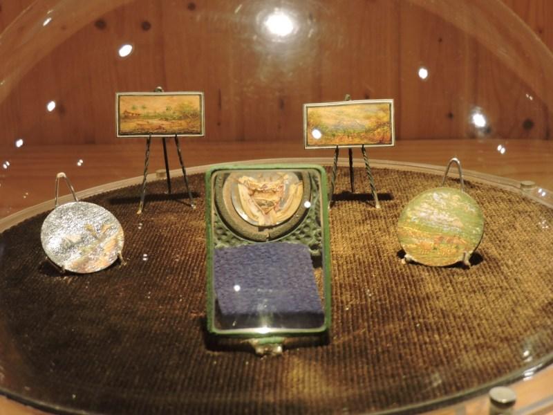 El Carromato de Max - Diversos cuadros - miniaturas. Los circulares están pintados sobre monedas.
