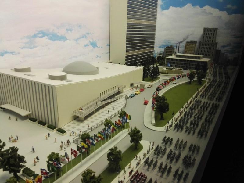 Museo de Miniaturas Militares - Desfile ante Naciones Unidas.