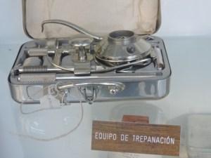 Museo del Aire - Un equipo de trepanación portátil.