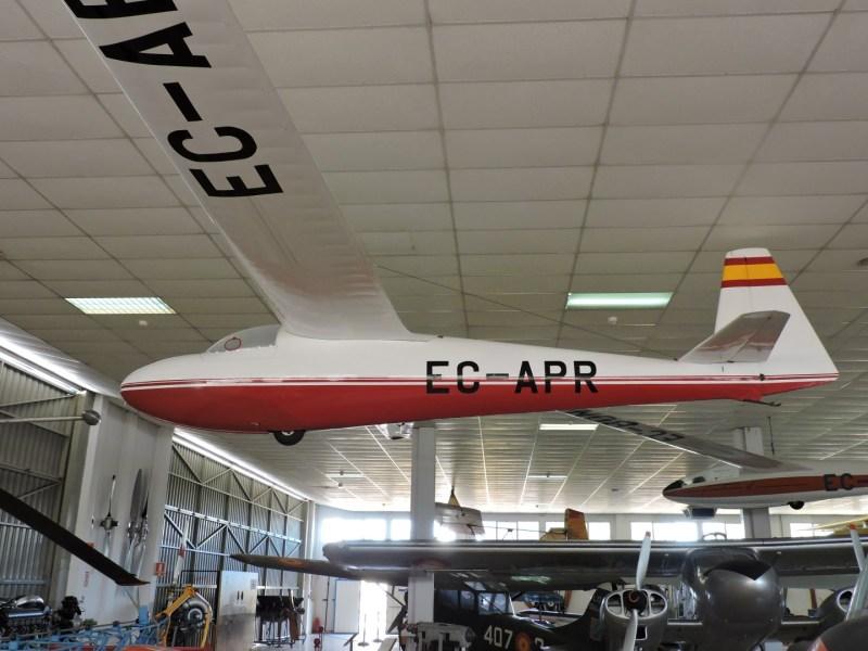 """Museo del Aire - Schleicher 205 Ka. 6CR """"Rhonsegler"""". Velero de entrenamiento fabricado en Alemania."""