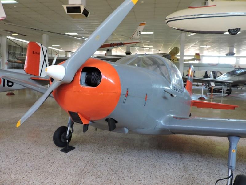 Museo del Aire - Avioneta AISA I-IIB. Se utilizó como avión de enlace en el Ejército del Aire.