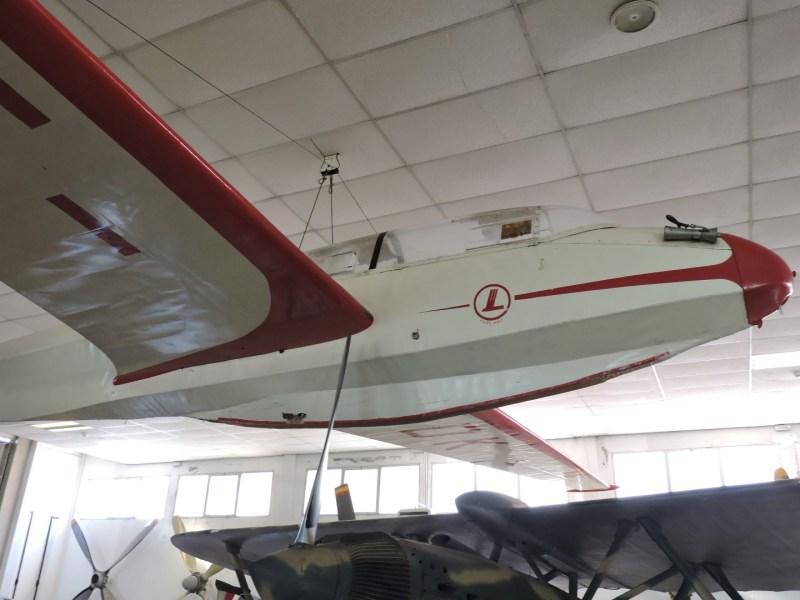 Museo del Aire - Focke Wulf Kranich III. Velero de competición alemán, comprado por el Ministerio del Aire en 1953.