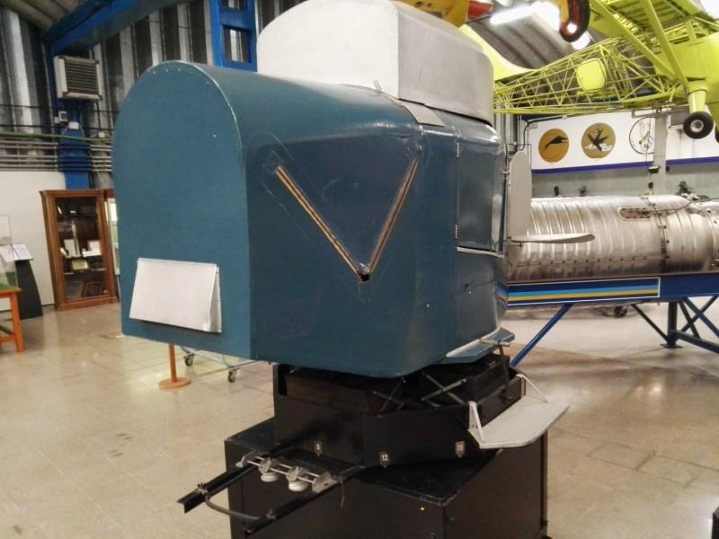 Museo del Aire - Entrenador Link de los años 30, fabricado por el inventor de los simuladores. Una auténtica joya.