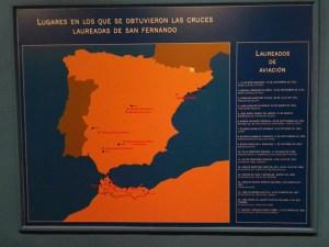 Museo del Aire - Mapa con los lugares en que se han concedido las Laureadas en Aviación. En total, 17 aviadores.