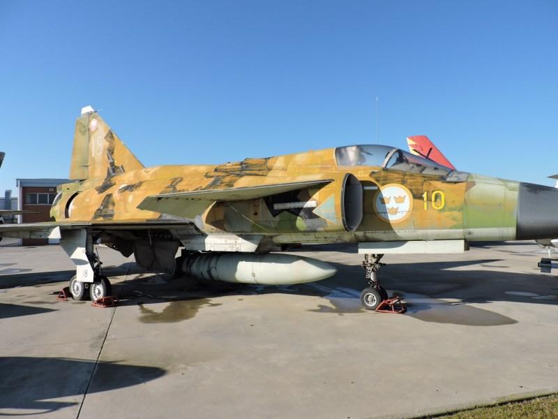 """Museo del Aire - Saab AJ-37 """"Viggen"""". Caza sueco equipado con motor Volvo. Sólo lo operó el ejército sueco."""