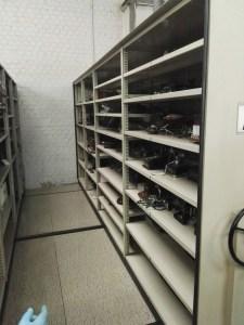 Almacén del MUNCYT - En este archivo hay todo tipo de teléfonos de época.
