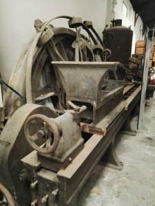 Almacén del MUNCYT - Torno de fabricación de piezas, utilizado en la industria azucarera.