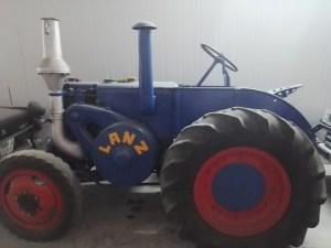 Almacén del MUNCYT - Tractor Lanz Bulldog, fabricado en Alemania desde 1929. Lanz fue adquiirida por John Deere.
