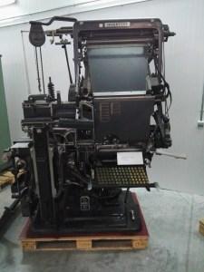 Almacén del MUNCYT - Linotipia Intertype, para grabar los textos a imprimir.