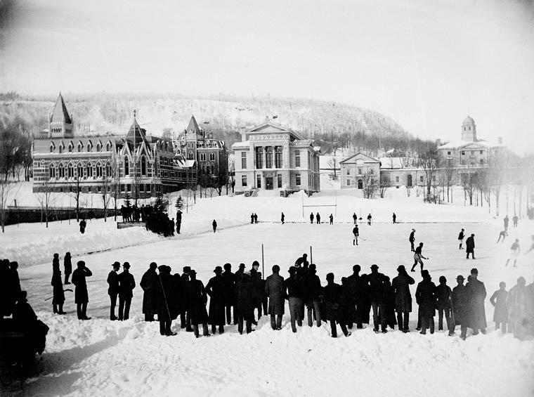 El Jugador de Hockey - Partido de hockey en McGill (Canadá) en 1884 (1).
