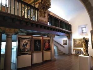 Museo Religioso-Paleontológico - Vista del coro.