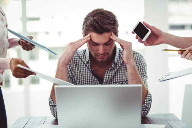Hombre con stress