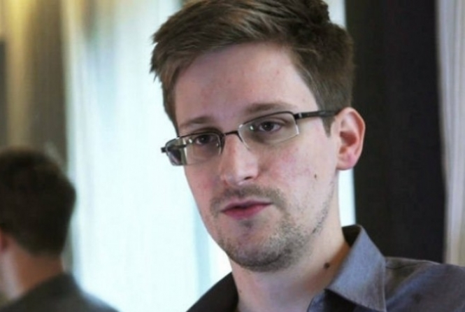 thumb-160537-snowden-resized