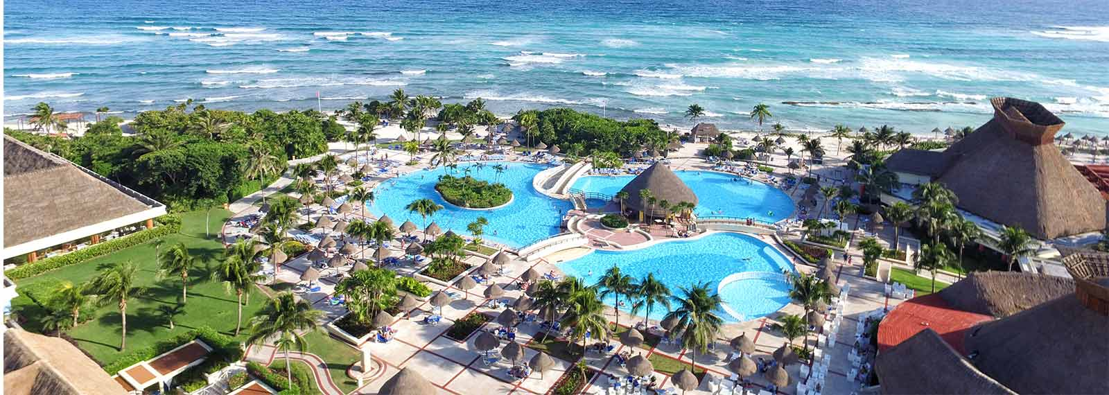 https://www.booking.com/hotel/mx/selina-tulum.xb.html?aid=1690871&no_rooms=1&group_adults=2&room1=A%2CA